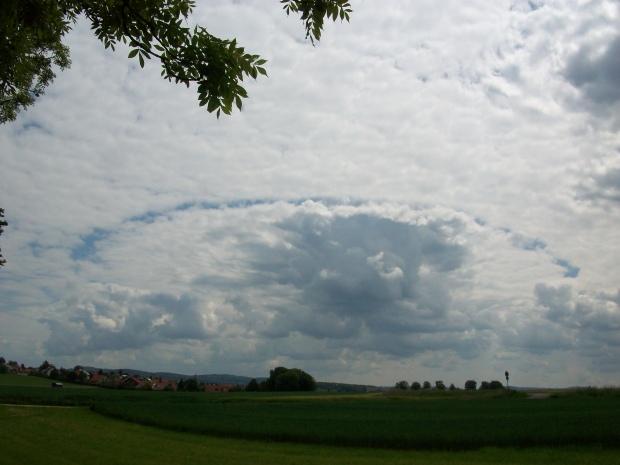 Wolkenspiel über Erkenbrechtsweiler